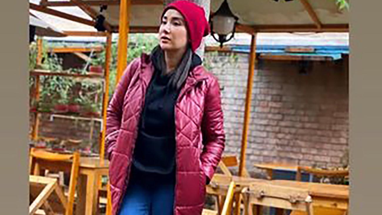 عکس لباس چسبان بهاره افشاری  /  موتورسواری خانم بازیگر در خیابان ولیعصر
